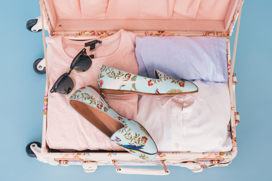 tips for packing smart, suitcase organized for trip, travel