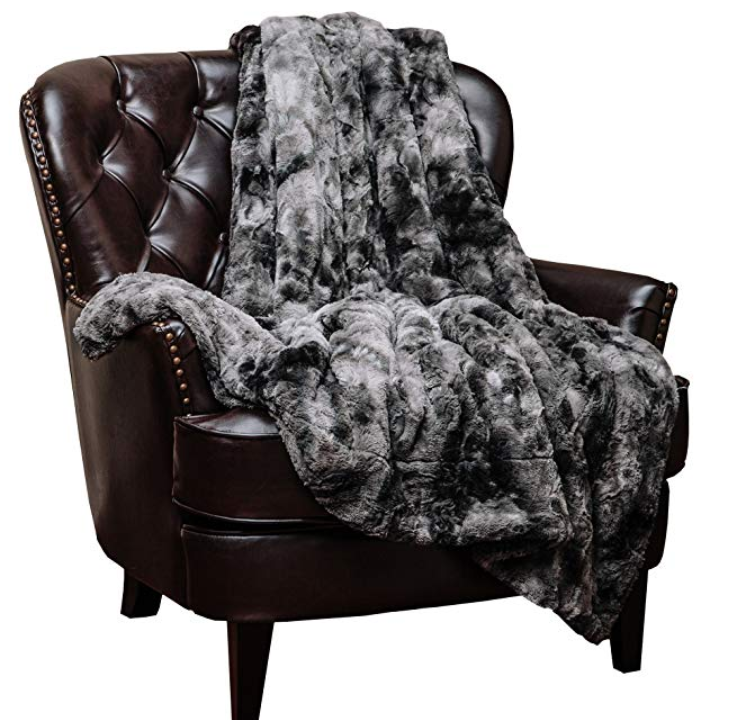 Faux Fur Throw Blanket, best last-minute Valentine's Day gifts